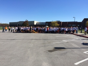 300+ 8th grade students ready for the AMS Spirit Run!